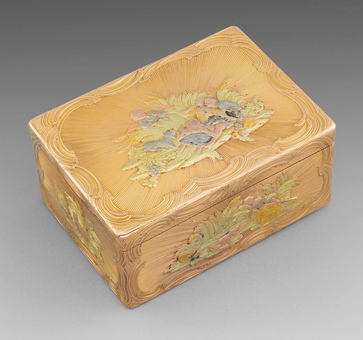 GERMAN VARI-COLOUR GOLD SNUFF-BOX