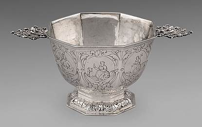An Early 18th Century Dutch Octagonal Brandy Bowl