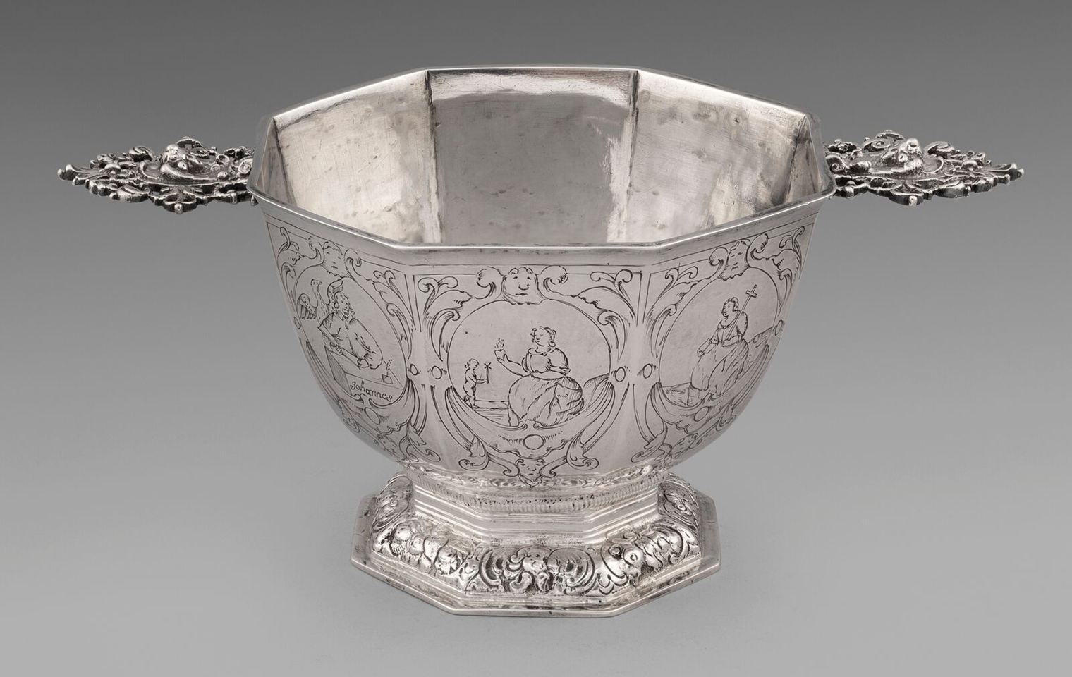 An Early 18th Century Dutch Octagonal Brandy Bowl