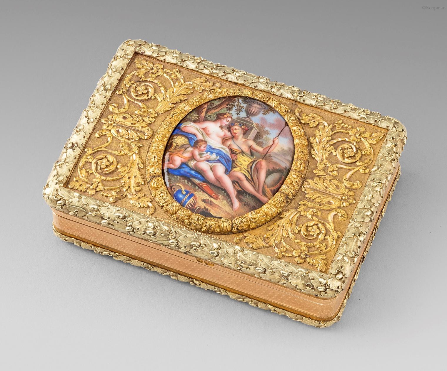 A Vari-Coloured Gold & Enamel Snuff Box