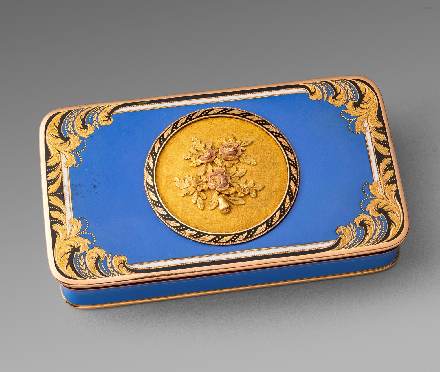A Continental Gold & Enamel Snuff Box