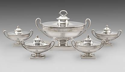 A George III Soup Tureen & Four Sauce Tureens En Suite