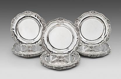 A set of Twelve William IV Dinner Plates