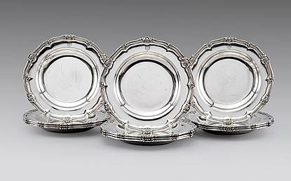 A Set of Twelve George IV Regimental Soup Plates