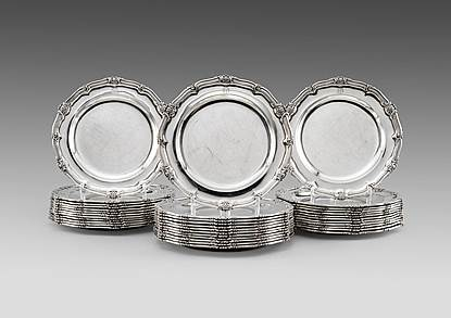 A Set of Thirty-Six George IV Regimental Dinner Plates