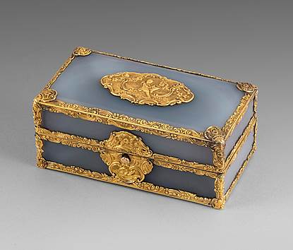 A George II Gold and Agate Travelling Writing Casket
