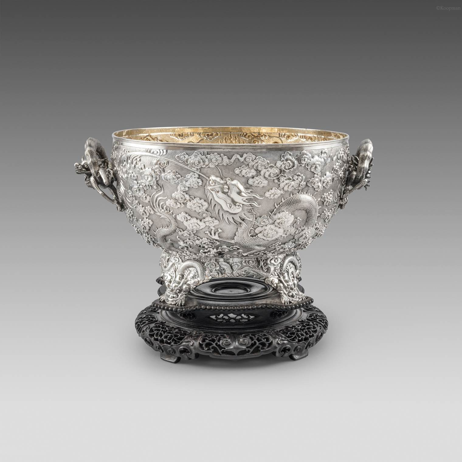 A Chinese 19th Century Bowl on Stand