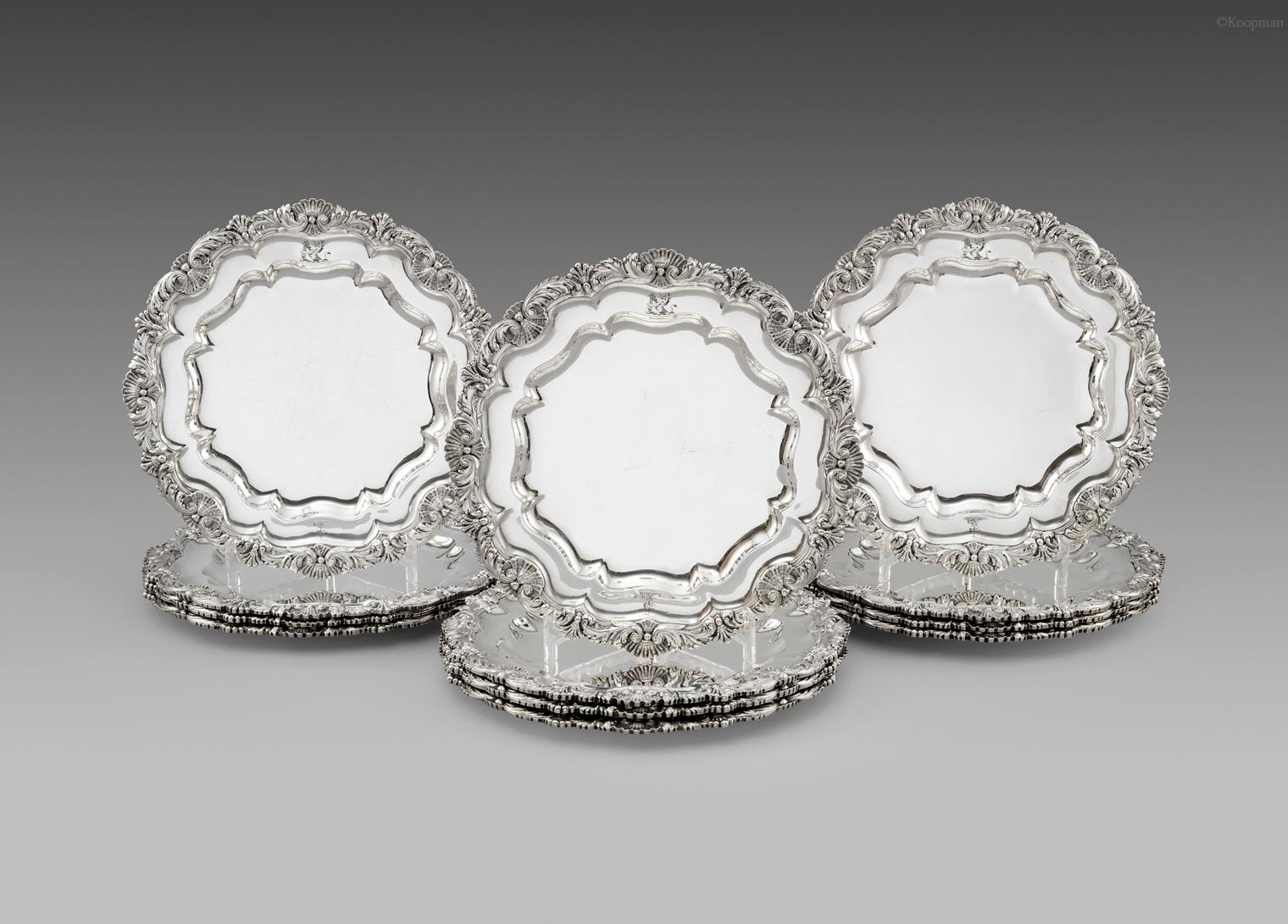 A Set of 12 George III Dinner Plates