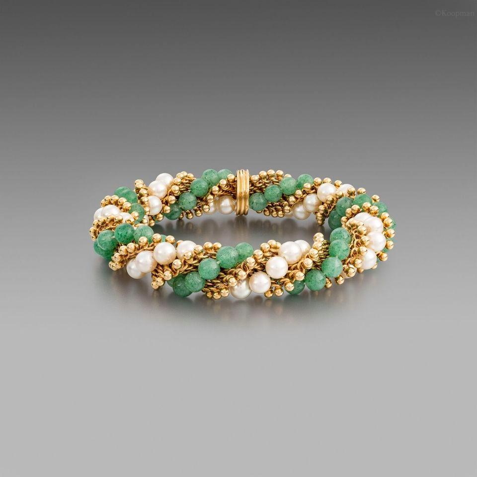 A Cultured Pearl and Aventurine Quartz Bracelet