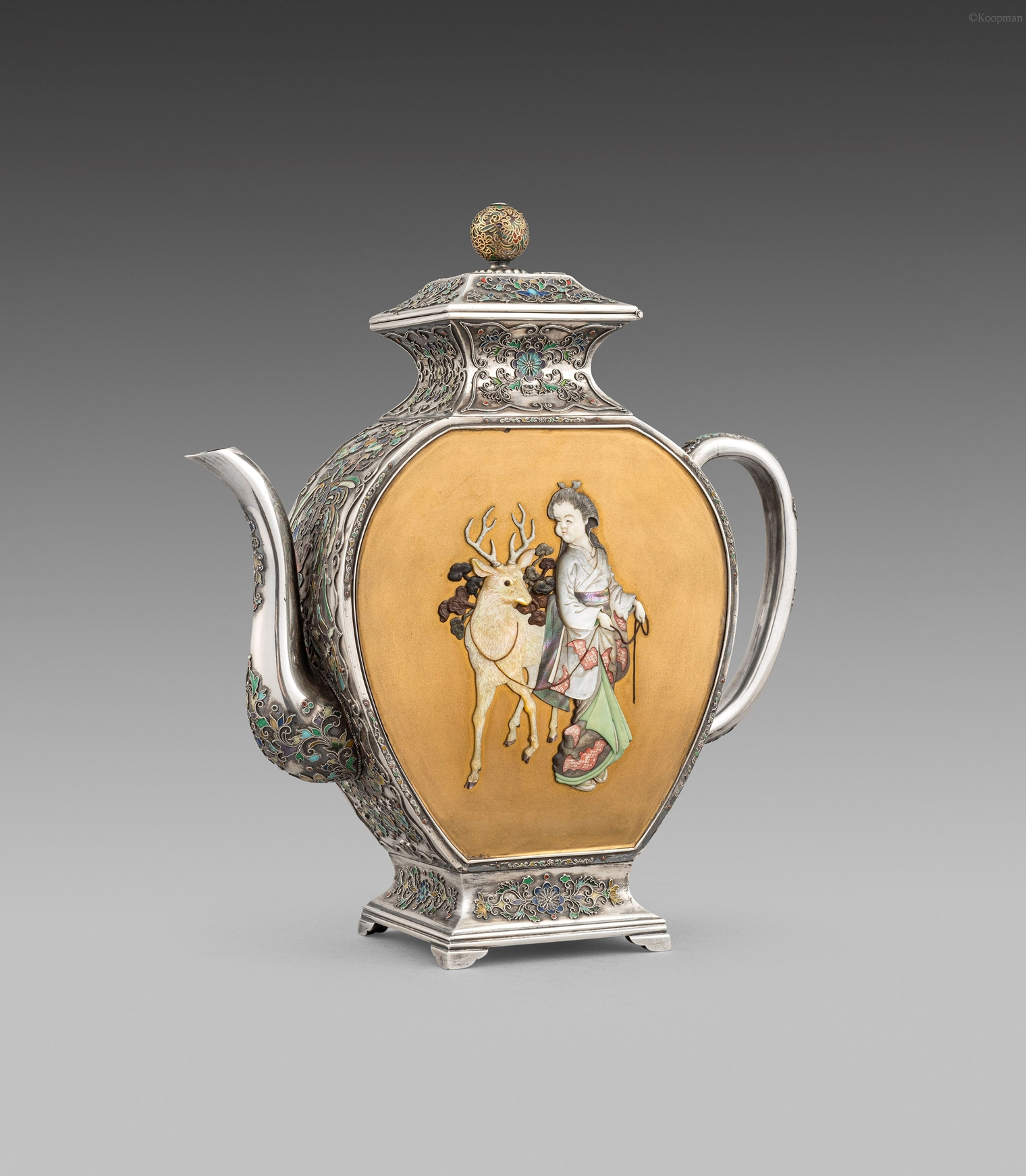 A Exceptional Japanese 19th Century Teapot
