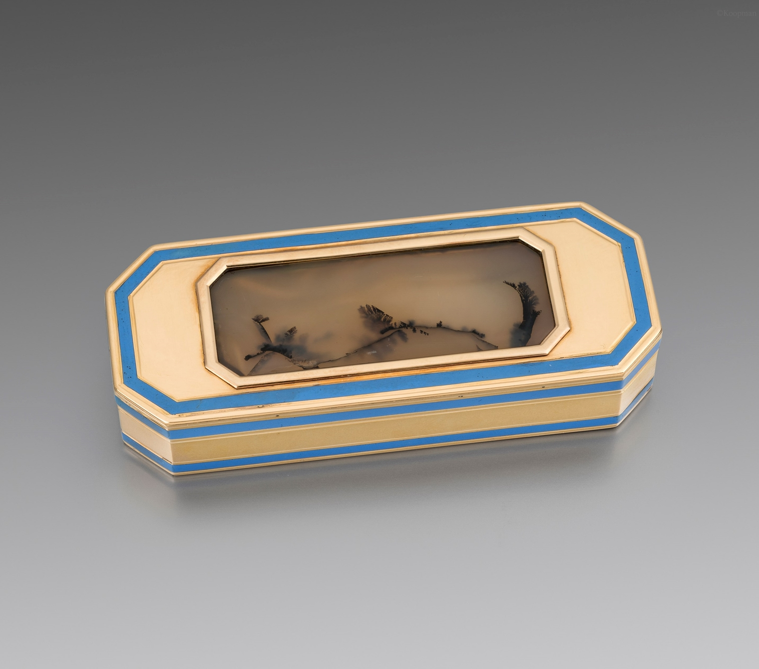 A French Late 18th Century Gold, Enamel & Moss Agate Box