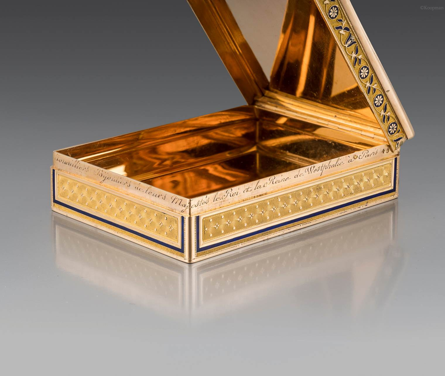 A Two-Colour Gold and Enamel Presentation Snuff Box