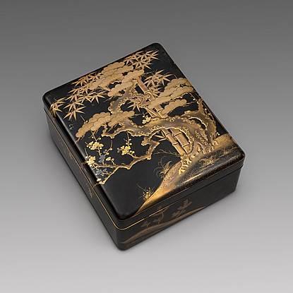 A Japanese Lacquer Ryoshi-bako