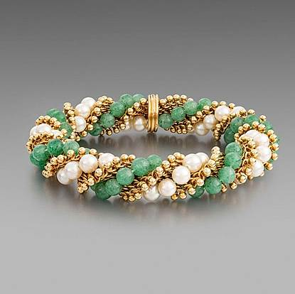 A Cultured Pearl and Aventurine Quartz Bracelet