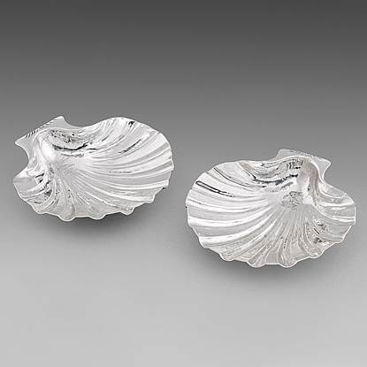 An Elegant Pair of Shell Dishes