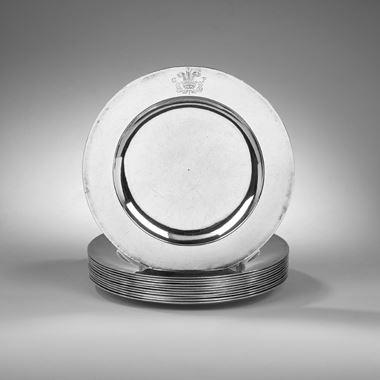 A Set of Twelve Royal Dinner Plates