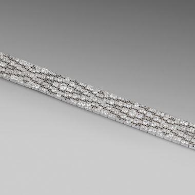 A Fine Petit Point-style Diamond Bracelet