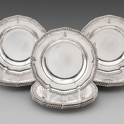 antique silver silverware soup plates dinner centrepiece tableware George III  sterling English Paul storr Georgian regency vintage paulstorr London